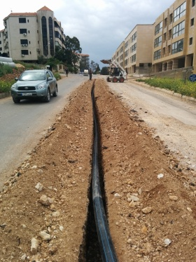Laying the polyethylene pipes